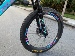 BTLOS WM-i34 Carbon Wheels With Chris King Hubs