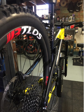 Commissioning a downhill bike with BTLOS carbon fiber wheels