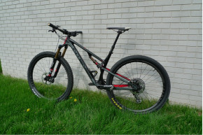The MTB M-i29A carbon wheels with DT Swiss 350 hubs and Sapim Cx-ray spokes