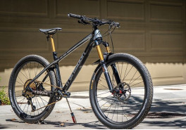 Transitionbikes with BTLOS 650B, M-i25A, asymmetric carbon wheels