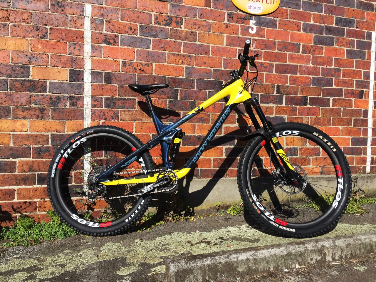 Yellow and black DH bicycle