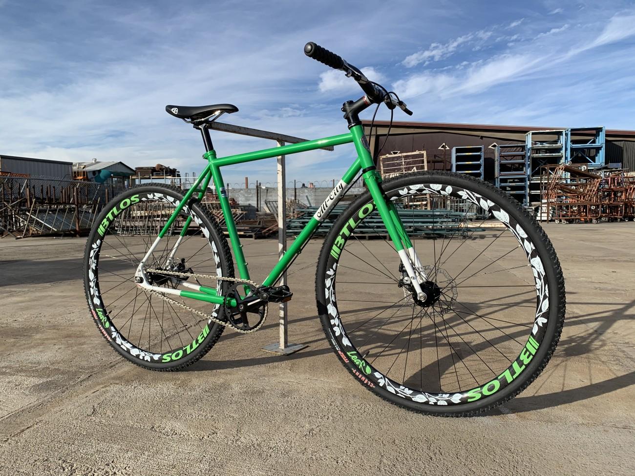 Green BTLOS decal 3K glossy carbon wheels